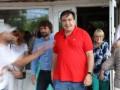Саакашвили просит Порошенко отдать 50 евро за футболку