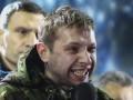 Появилось видео, как Парасюк пробирался к сцене Майдана перед обращением к Януковичу