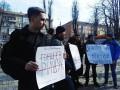 Активисты в Днепре заставили Порошенко выйти черным ходом