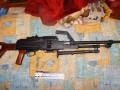 В киевской квартире полиция обнаружила пулемет и наркотики