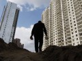 СМИ выяснили зарплаты строителей крупнейших объектов Киева, большинство из которых - азиаты
