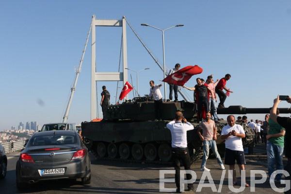 Премьер Турции заявил о том, что зачинщики переворота будут наказаны