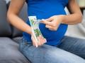 В Украине вырос размер помощи по беременности и родам: Названы цифры