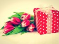 Сколько мужчины потратят на подарки к 8 марта