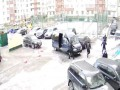 В сеть выложили видео комичной погони элитного спецназа Росгвардии за нарушителем в Питере