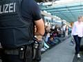 В Германии буксировщик врезался в автобус с пассажирами