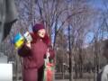 Женщина под памятником Шевченко в Луганске: Я на своїй Богом даній землі