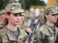 Порошенко подписал закон о гендерном равенстве военнослужащих