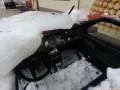 В Житомире глыба льда разбила легковую машину