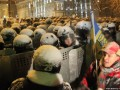 Борьба за Кабмин: на Грушевского разбирают баррикады (ФОТО)