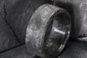 В Америке продают кольцо из метеорита за 1100 долларов