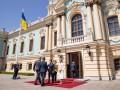 Зеленский уверил, что международное сообщество будет гордиться Украиной