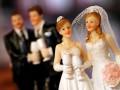 В Венгрии однополым парам запретили усыновлять детей