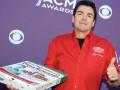 Основатель мировой сети пиццерий уходит в отставку из-за расизма