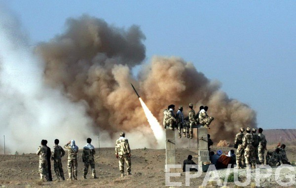 Запуск баллистической ракеты Zelzal во время учений КСИР в Иране (архивное фото)
