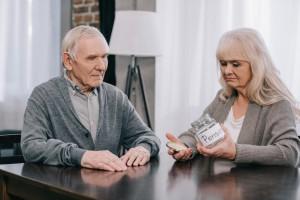 Повышение пенсий в Украине оказалось под угрозой