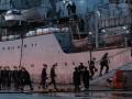Российские моряки поднялись на борт
