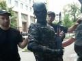 Возле Кабмина задержали мужчину с автоматом