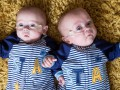 Британка родила наименьших в мире близнецов
