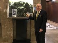 Экс-мэр Нью-Йорка в отеле Ярославского обнаружил куртку Шварценеггера