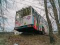 В Днепре с путепровода едва не рухнул троллейбус