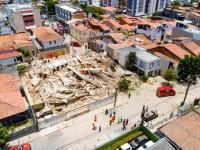 В Бразилии рухнул семиэтажный жилой дом