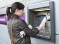 В Украине вводят все больше комиссий за использование банкоматов