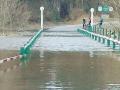 Река Псел вышла из берегов: в Сумской области утонул мост