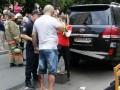 В центре Киева взорвался внедорожник, есть пострадавший