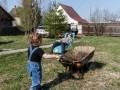 Школьников приглашают летом работать грузчиками и в рекламе