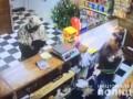 В Херсоне мужчина грабил магазины с игрушечным пистолетом
