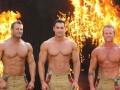 В Австралии пожарные снялись топлес для календаря