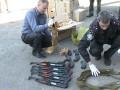 В Сумской области в такси перевозили 15 автоматов Калашникова и пулемет (видео)
