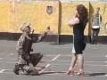 Новобранец при принятии присяги сделал предложение девушке в учебном центре Десна