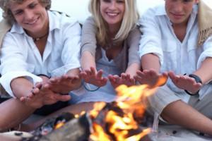 Хочешь согреть женщину – научись разжигать костер с одной спички