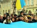 Во Львове массово спели гимн Украины