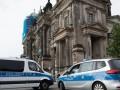 В Берлине полицейский открыл стрельбу в соборе