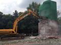 Памятник чекистам в Киеве разбили гидромолотом и экскаватором