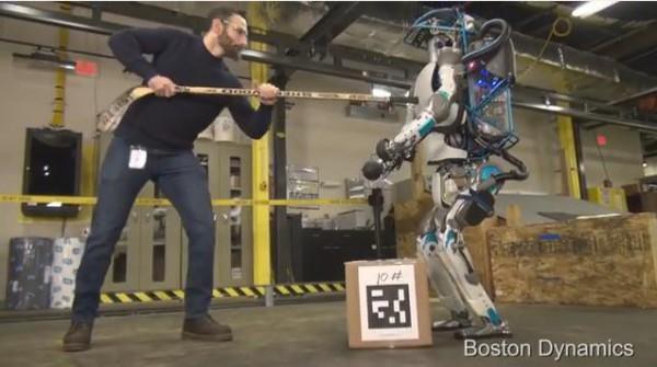 Новые роботы Boston Dynamics смогут ходить по лесу нести грузы
