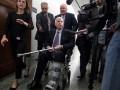 Сенатор Маккейн выписан из больницы в США