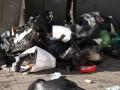 Киевляне жалуются на помойку в центре города