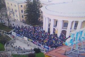 Послы осудили попытки захватить Октябрьский дворец