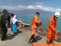 В Индонезии количество жертв землетрясения и цунами превысило 380 человек