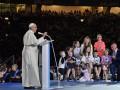 Папа Римский встретился с жертвами священников-педофилов