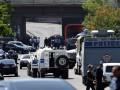 В Ереване полиция разогнала митинг у захваченного здания полиции
