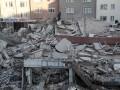 В Стамбуле обрушилось многоэтажное здание, есть погибшие
