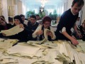 В Киеве члены комиссий ОИК №215 возмущены фальсификациями