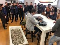 В России мужчина приобрел iPhone XS за ванну мелочи