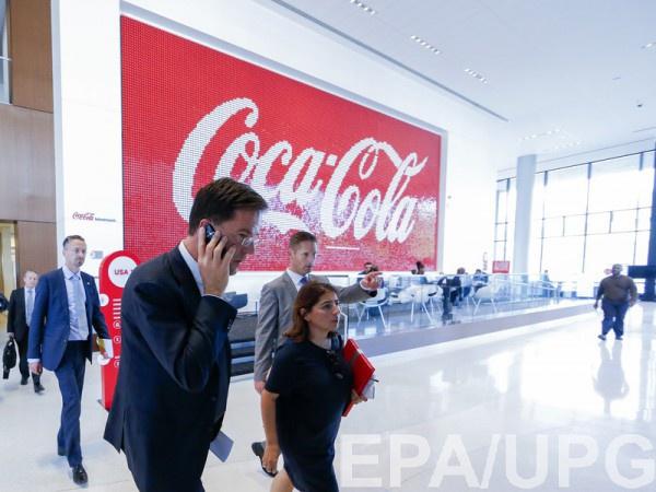 Coca-Cola приостановила работу в Венесуэле из-за нехватки сахара