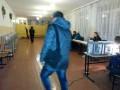 Выборы в Мариуполе: люди приходили на пустые участки